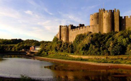 5 nights Self-Guided Cycling Pembrokshire Coast, Pembroke Castle